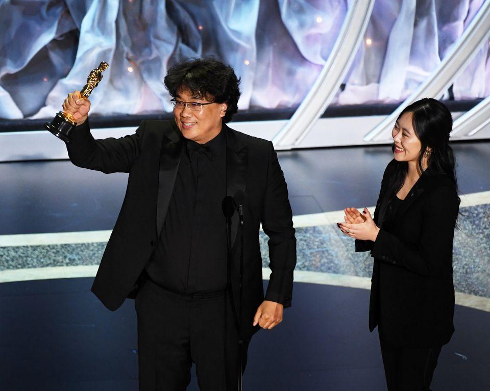 国際長編映画賞を受賞した「パラサイト