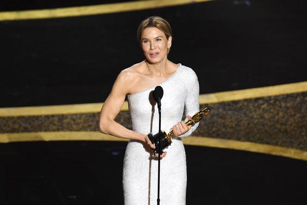 Renée Zellweger, con el Oscar a Mejor actriz por