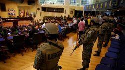 El presidente Bukele irrumpe con militares en el Congreso