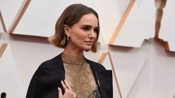 Οσκαρ: Η Νάταλι Πόρτμαν «φόρεσε» τα ονόματα των γυναικών σκηνοθετών που απουσίαζαν από τις