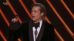 Brad Pitt vince l'Oscar e strizza l'occhio a DiCaprio: