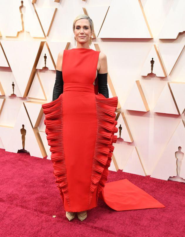 La robe en forme de lasagnes de Kristen Wiig aux Oscars vaut le