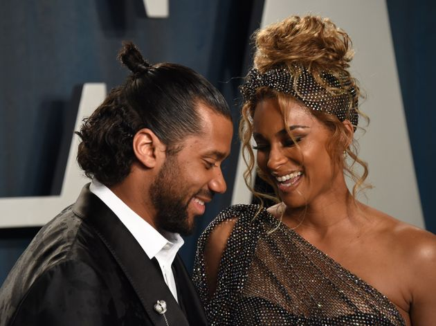 Russell Wilson S Hair Just Had The Busiest 3 Days In History Huffpost