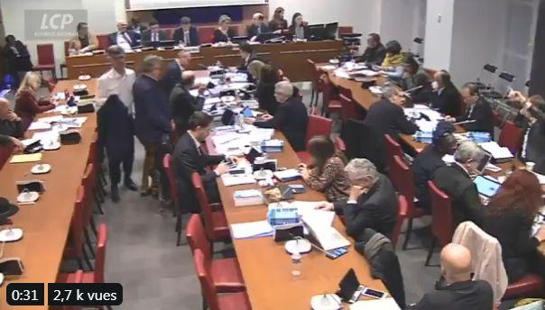 Les députés de la commission spéciale chargée d'examiner le projet de loi sur les retraites, 10 février