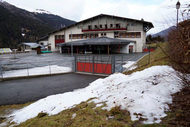Cette photo prise le 10 février 2020 montre une école fermée aux Contamines-Montjoie...