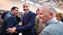 El partido centrista Fianna Fáil gana al final un escaño más que el Sinn Féin en