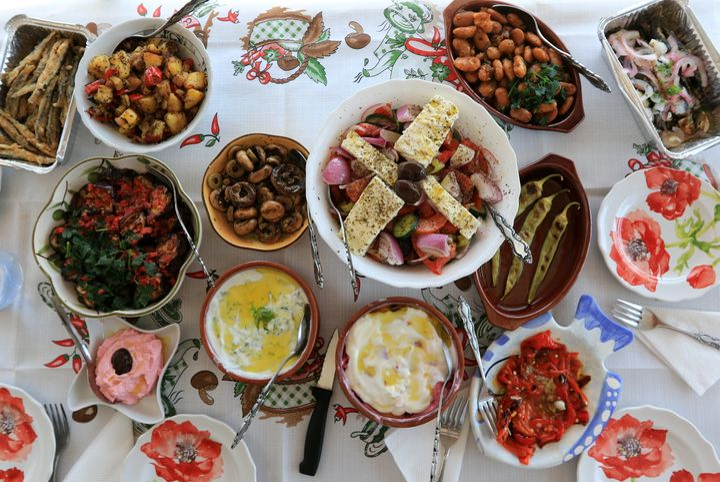 H ελληνική γαστρονομία δεν μπορεί να βασίζεται στην ελληνική σαλάτα, το τζατζίκι, τον μουσακά και το σουβλάκι.