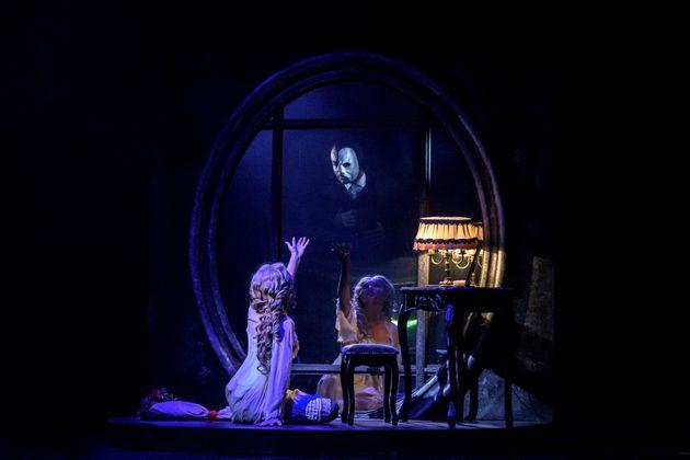 Το μιούζικαλ του Άντριου Λόιντ Βέμπερ «The Phantom of the Opera» έρχεται στην