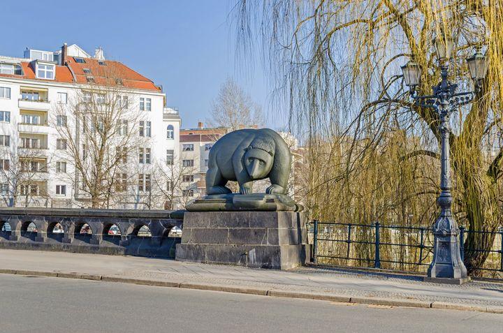 Γέφυρα στη συνοικία Μοαμπιτ στο Βερολίνο