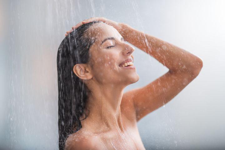 Το ζεστό ντους μειώνει το άγχος.