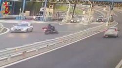 Moto contromano in tangenziale per sfuggire al controllo: 10mila euro di multa