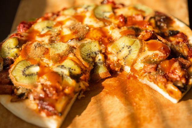 Η Σουηδία λανσάρει πίτσα με ακτινίδιο και κάνει τους Ιταλούς