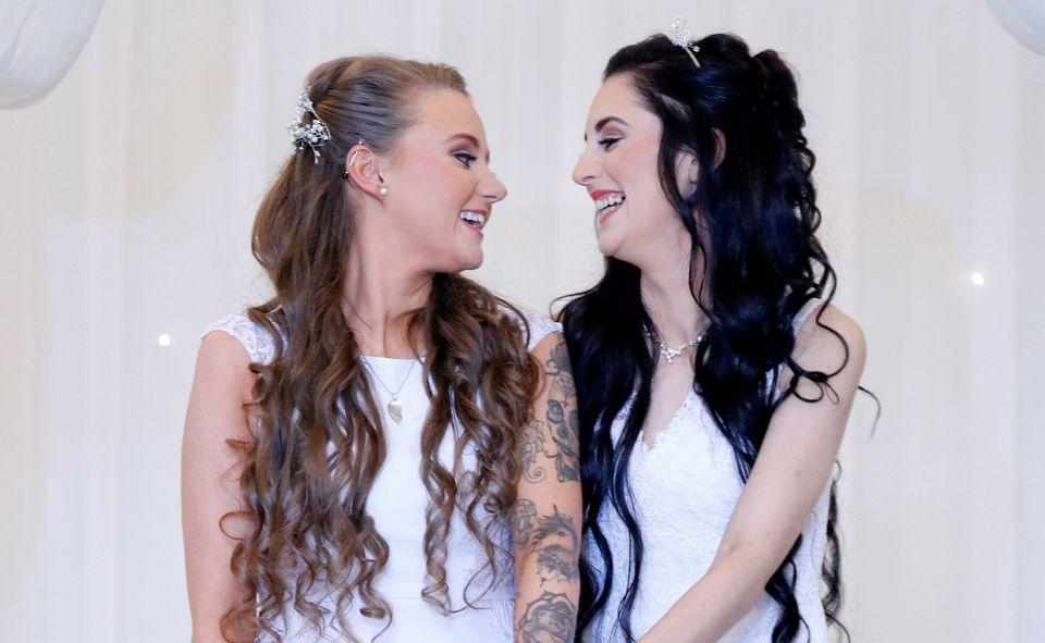 Irlanda do Norte celebra primeiro casamento homoafetivo após proibição cair em