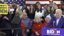 Jill Biden Fängt Heckler, Wie Er Nähert Sich Joe Biden In New Hampshire Rallye