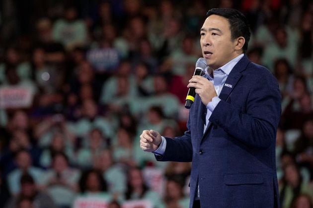 Andrew Yang, ici dans le New Hampshire le 8 février 2020, a jeté l'éponge dans la...