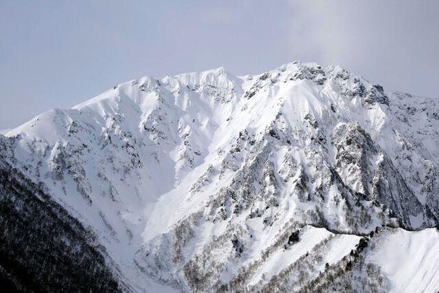 冬の谷川岳=2019年1月20日、群馬県みなかみ町、木村円撮影