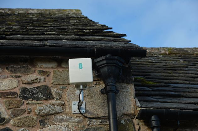 EE Launches 4G Broadband Antenna To Connect Rural Homes Struggling For Internet