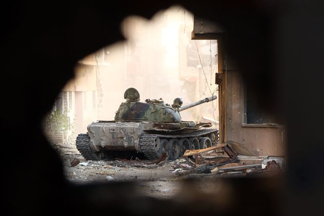 Λιβύη: Το πυροβολικό του Χαφτάρ πλήττει το κέντρο της