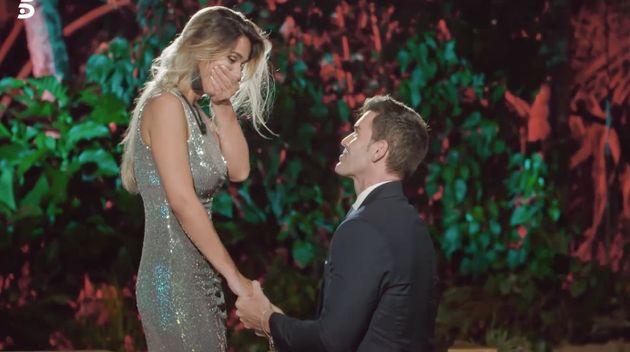 Jose le pide matrimonio a Adelina en 'La isla de las