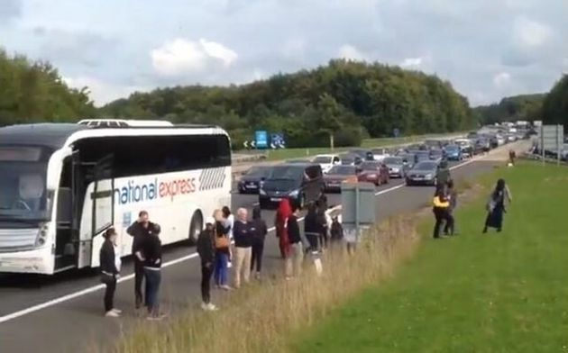 Thousands Stranded For Up To 12 Hours As Bomb Disposal Experts Tackle M3