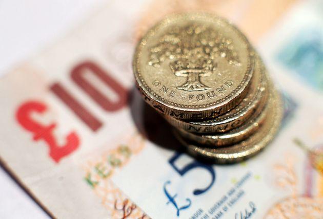 Bank Of England Set To Keep Interest Rates At 0.25% Despite Surging