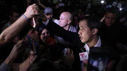 Guaidó pide retomar las protestas en un regreso a Venezuela entre