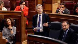 Marlaska acusa a Vox de xenofobia por alentar bulos de extranjeros y