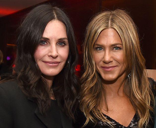 Courteney Cox y Jennifer Aniston, en una fiesta en Los Angeles (Estados Unidos) el 6 d diciembre de