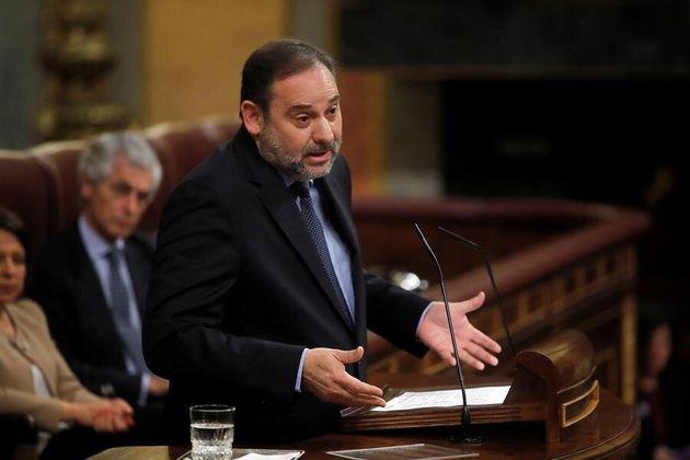 El ministro de Transportes, Movilidad y Agenda Urbana, José Luis Ábalos durante la sesión de control...