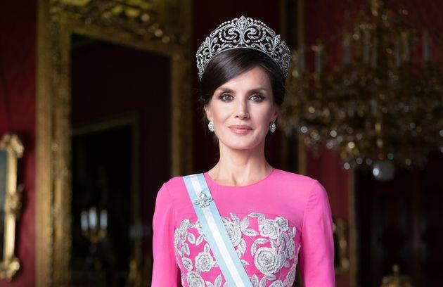 La reina Letizia, en uno de los retratos oficiales de Estela de