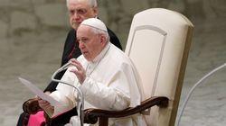 Le pape François ne retient pas l'idée de prêtres mariés en