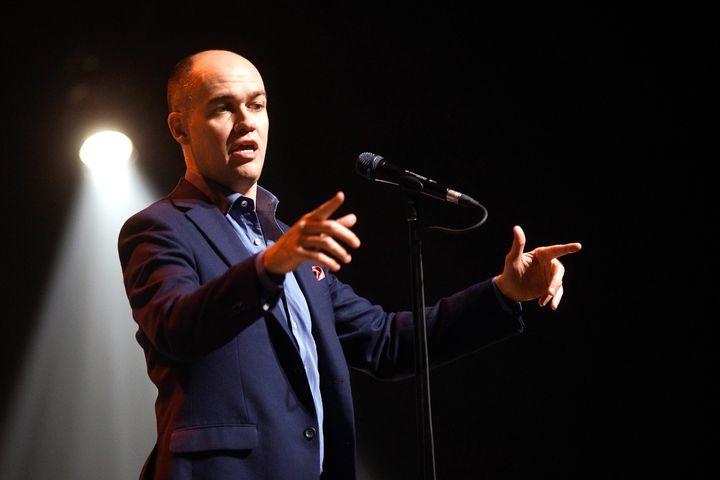 Guy Nantel présente actuellement son spectacle «Nos droits et libertés» un peu partout au Québec.