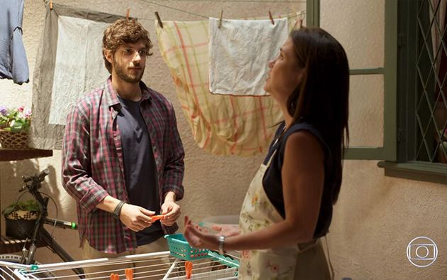 Chay Suede (Danilo) e Adriana Esteves