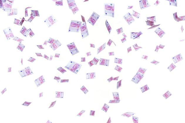 Lluvia de billetes de 500