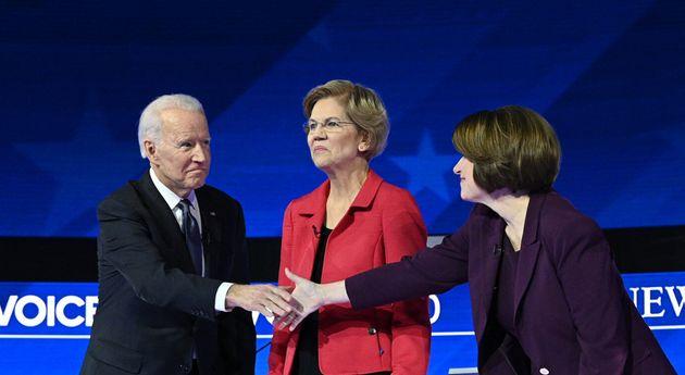 Elizabeth Warren, Amy Klobuchar et Joe Biden avant le débat du 7 février 2020 (photo