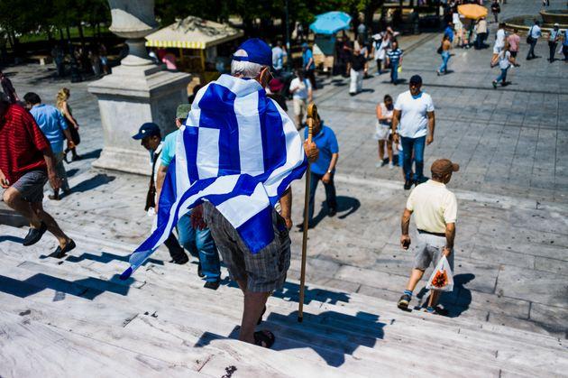 Συναισθηματικοί, αλλά όχι περισσότερο από τον υπόλοιπο δυτικό κόσμο οι Ελληνες σύφωνα με νέα