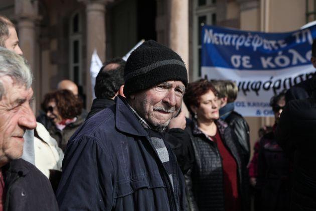 Διαμαρτυρίες για την κατασκευή δομών για πρόσφυγες σε Χίο και
