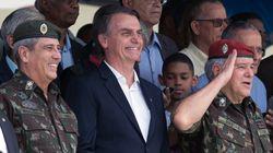 Ao se cercar de militares no Planalto, Bolsonaro reduz capacidade de diálogo