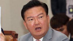 민경욱이 페이스북에 문 대통령과 조국 등에 대한 욕설을