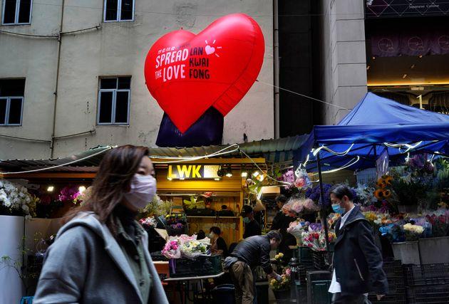 Κορονοϊός: Τουλάχιστον 1.380 άνθρωποι νεκροί - 5.090 τα νέα