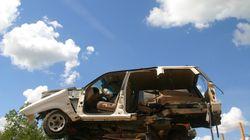 Η απογείωση: Αυτοκίνητο «ορμάει» σε πλατεία και...