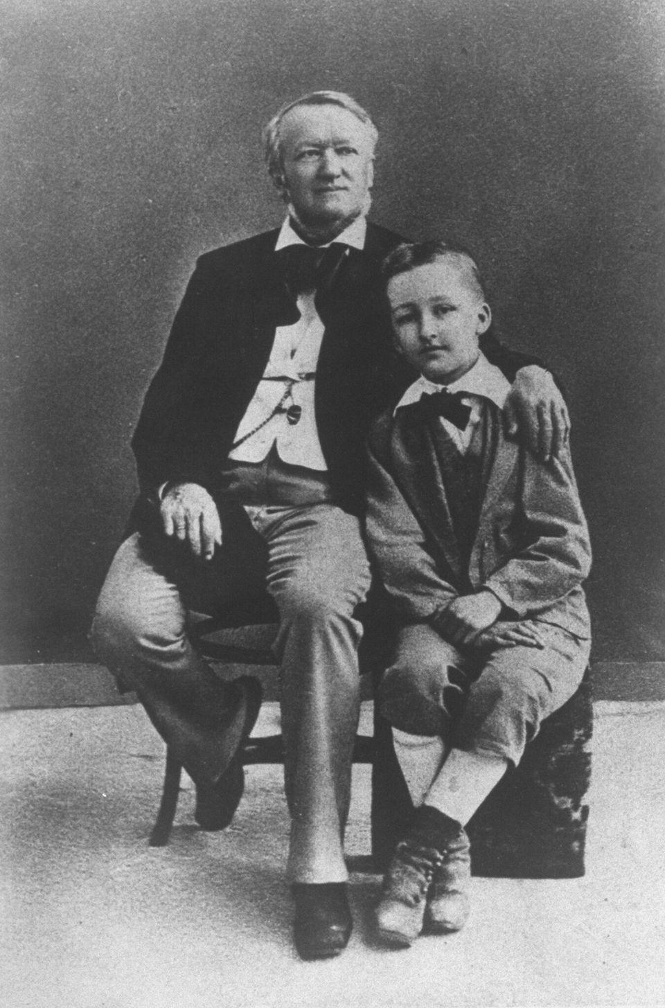 Ο Βάκνερ με τον γιό τουΖίγκφριντ. (Photo by Time Life Pictures/Mansell/The LIFE Picture Collection via Getty Images)