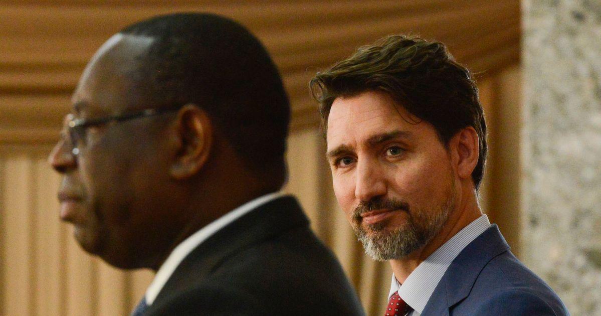 セネガルの反ゲイ法を公に呼ばないことに対する防衛的なトルドー