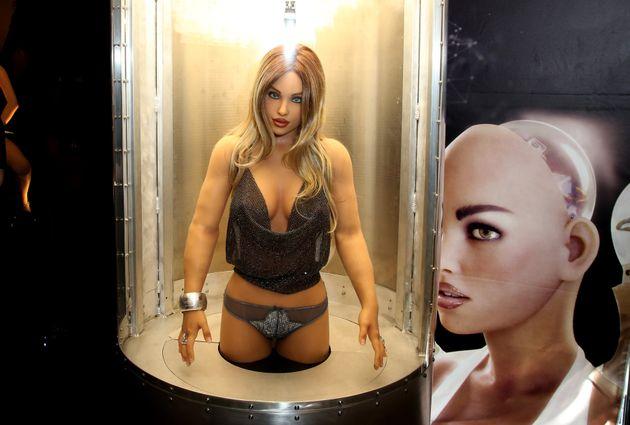 Τα ρομπότ του σεξ ίσως προκαλέσουν ψυχολογικές βλάβες, προειδοποιούν