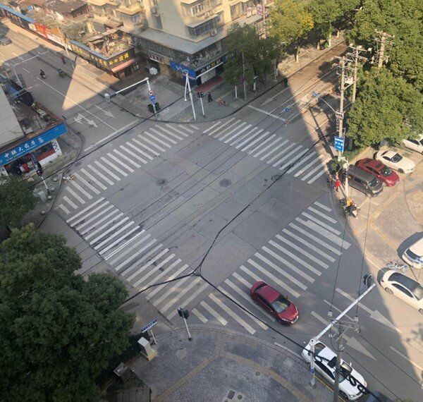La vista di Wuhan desrta da casa di Lorenzo