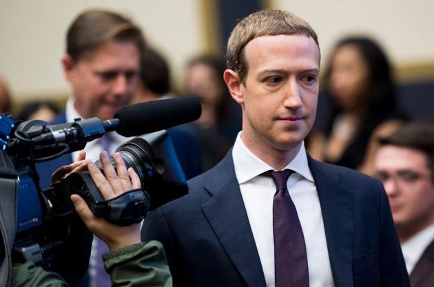 Zuckerberg come un capo di Stato in missione