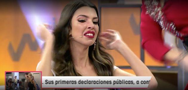 Emma García lanza la corona de Andrea, de 'La isla de las