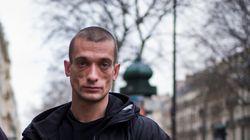 Pavlenski et sa compagne, destinataire des vidéos, en garde à