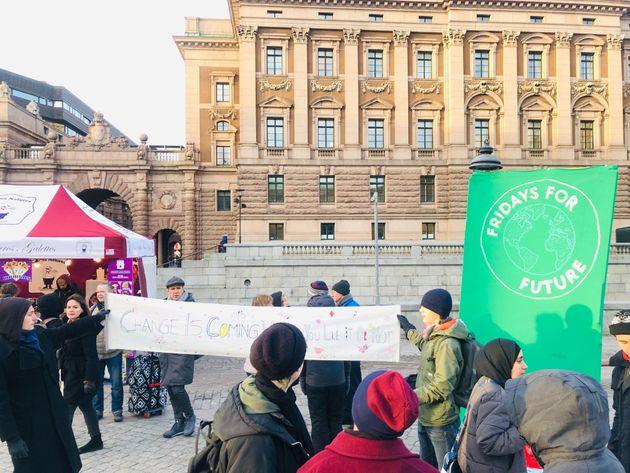 スウェーデン国会の脇で開かれていたFridays For