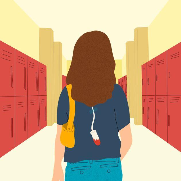 Ινδία: Καθηγητές ανάγκασαν φοιτήτριες να δείξουν το εσώρουχο τους για να δουν αν έχουν